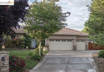 109 Lariat Ct Oakley, CA 94561