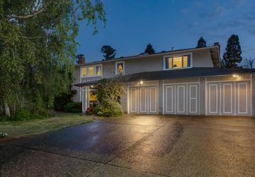 2821 Saint James Road Belmont, CA 94002