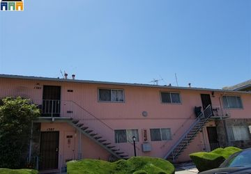 496 W Joaquin Ave San Leandro, CA 94577