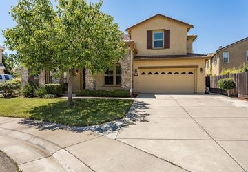 5412 Dutch Iris Court Elk Grove, CA 95757