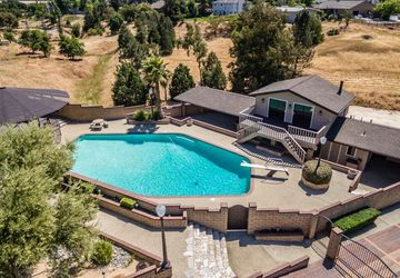 58 Beverly Drive Hollister, CA 95023