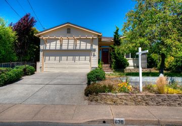 630 Valencia Avenue El Granada, CA 94019
