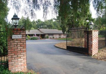 15260 Pepper Ln Lane Saratoga, CA 95070