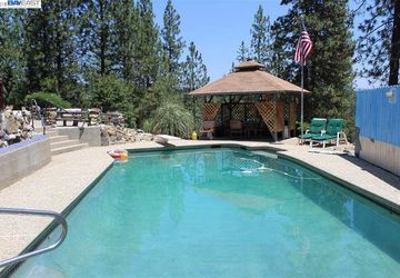 10347 Old Converse Rd. Coulterville, CA 95311