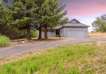6954 Covey Road Forestville, CA 95436