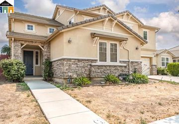1406 Hunter Creek Patterson, CA 95363