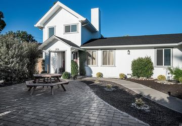 8136 Countryside Court Windsor, CA 95492
