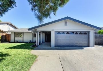 8381 Berman Walk Way Citrus Heights, CA 95610