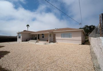 1487 Kimball Avenue SEASIDE, CA 93955