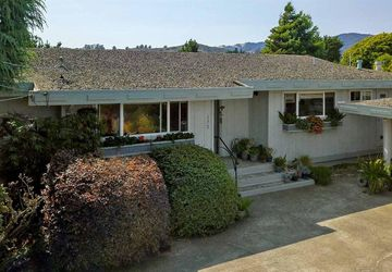 172 Stanford Avenue Mill Valley, CA 94941