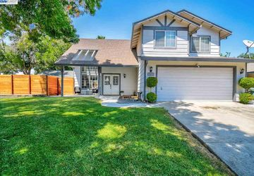507 Chesterfield Dr Patterson, CA 95363