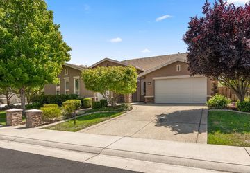 7105 Paul Do Mar Way Elk Grove, CA 95757