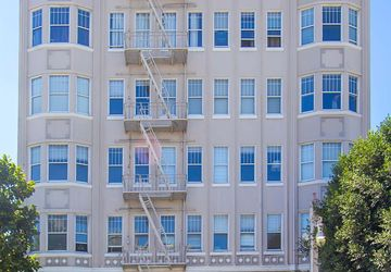 2415 Van Ness Avenue # 401 San Francisco, CA 94109