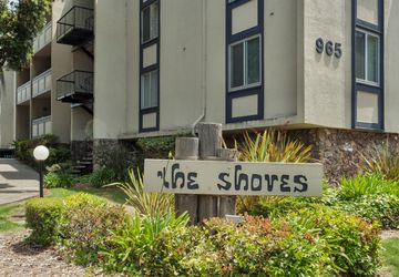 965 Shorepoint Court, # 312 Alameda, CA 94501-5864