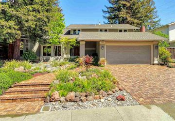 220 Tamarisk Drive WALNUT CREEK, CA 94598-3653