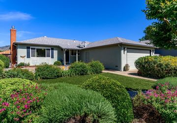 12 Ivy Court Yountville, CA 94599