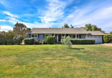 10945 Foothill Avenue GILROY, CA 95020