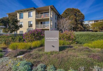 3 Commodore Drive Emeryville, CA 94608