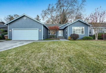 5 Stags View Lane Yountville, CA 94599