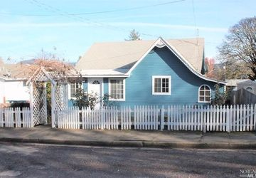 351 Maple Street Willits, CA 95490