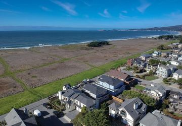 565 Railroad Avenue HALF MOON BAY, CA 94019