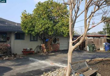 1861 Ayers Rd Concord, CA 94521