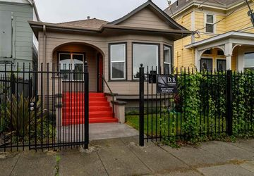 1212 30Th St OAKLAND, CA 94608