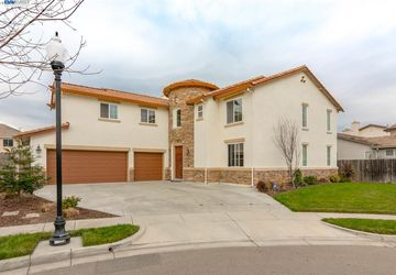 219 Sorrel Ct Patterson, CA 95363