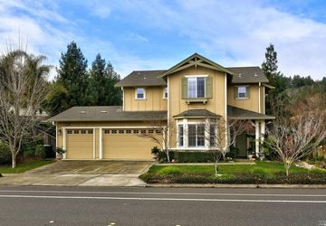 309 South Foothill Boulevard Cloverdale, CA 95425