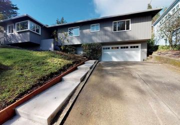 2760 Darnby OAKLAND, CA 94611