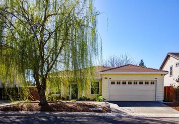 624 Ivy Loop Winters, CA 95694