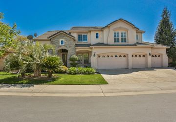 1765 Tuscan Grove Circle Roseville, CA 95747