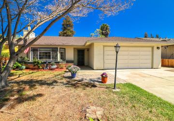 621 Clearview Drive Hollister, CA 95023