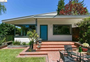 7079 Thornhill Dr OAKLAND, CA 94611