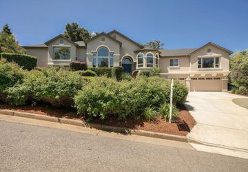 8585 Strawberry Lane GILROY, CA 95020