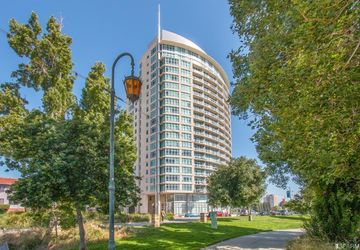 1 Lakeside Drive # 304 Oakland, CA 94612