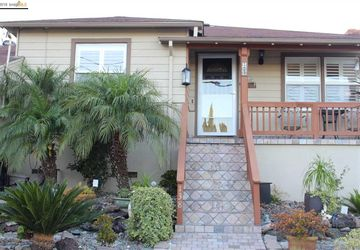 138 Riverview Dr PITTSBURG, CA 94565