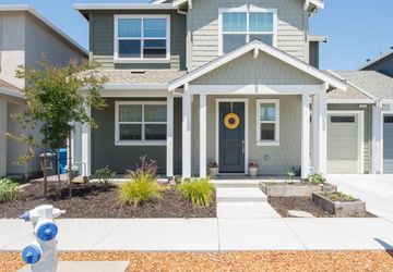 2940 Bay Village Avenue Santa Rosa, CA 95403