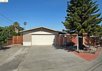 7 Island View Dr Bay Point, CA 94565