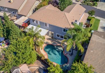 2516 Waterford Glen Circle Roseville, CA 95747