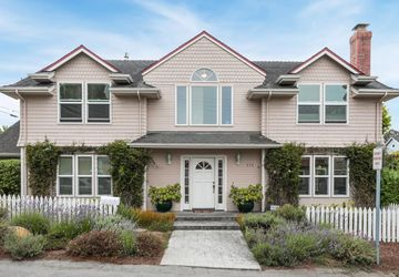 111 Fairview Avenue CAPITOLA, CA 95010