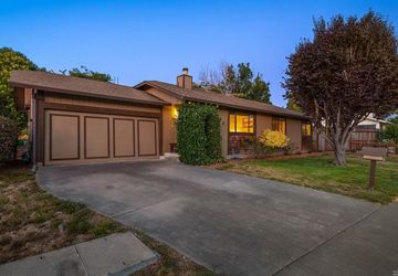 210 Wilford Lane Cotati, CA 94931
