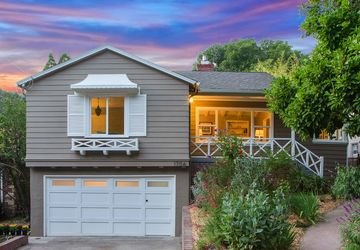 1706 Woodhaven Oakland, CA 94611-1235