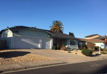 110 Firethorn Drive Rohnert Park, CA 94928