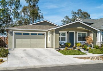 2247 Orleans Street Santa Rosa, CA 95403