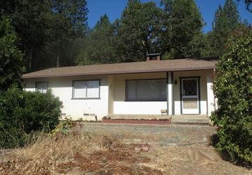 22500 Oak Lane Covelo, CA 95428