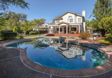 318 Whitethorn Court Windsor, CA 95492