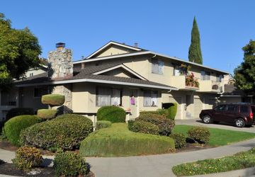 1661 Bucknall Rd Campbell, CA 95008