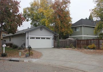 118 Pinewood Court Cotati, CA 94931