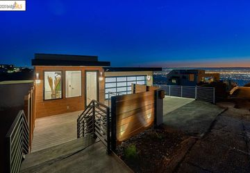 1538 Grand View Berkeley, CA 94705
